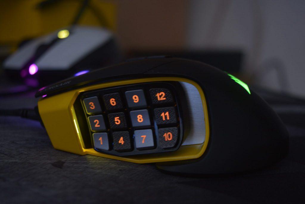 Corsair Scimitar Pro RGB bot