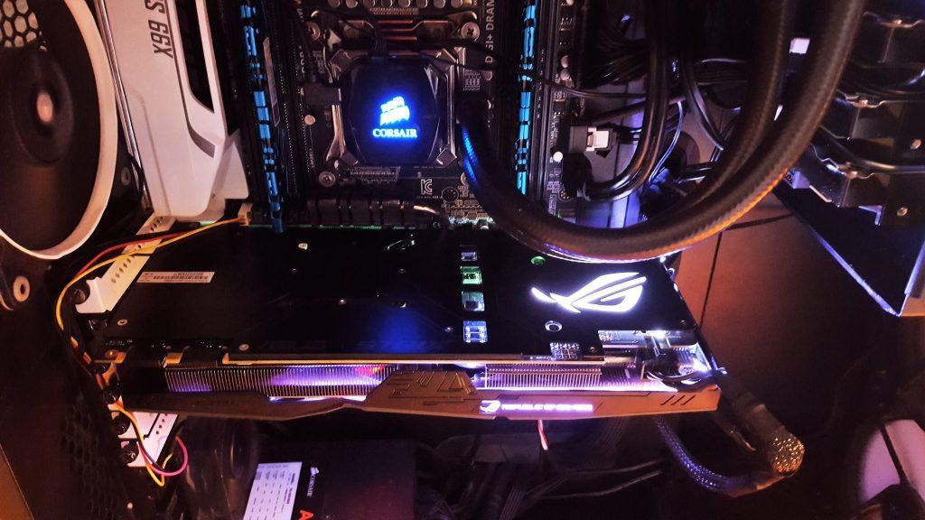 Gizcomputer-ASUS ROG-STRIX-GTX1070-O8G-GAMING
