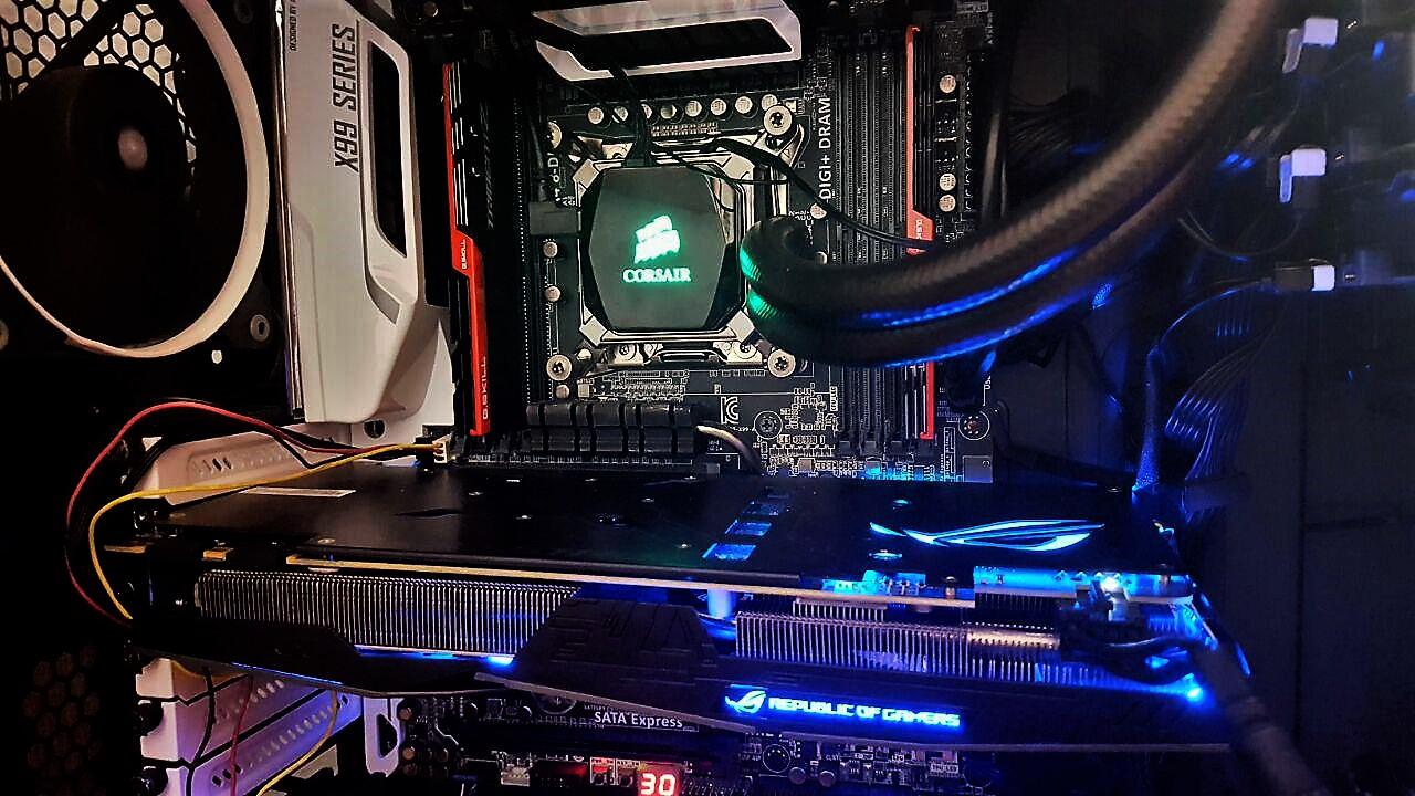 Gizcomputer-ROG STRIX-GTX1070-O8G-GAMING