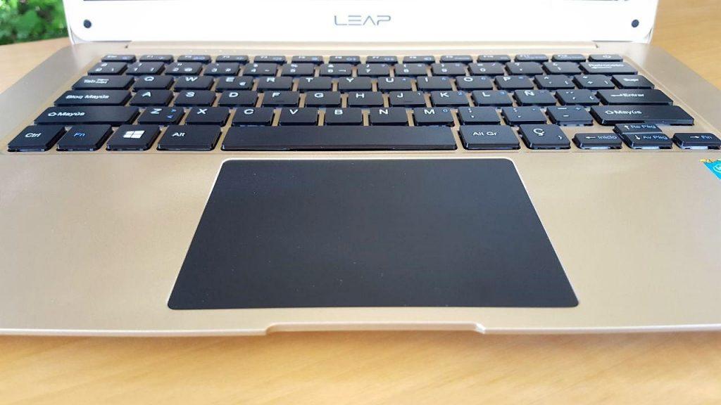 El teclado y el touchpad nos han sorprendido muy gratamente.