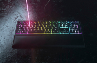Razer Ornata V2, nueva versión del teclado gaming luminoso